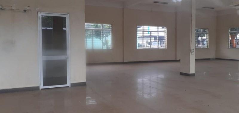 Cho thuê kho hoặc làm văn phòng, giá 80 triệu/2100m2/tháng (cho thuê lẻ), mặt đường QL3