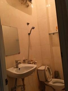 Cần cho thuê căn hộ chung cư tầng 3 số 50 Châu Long- Ba Đình- Hà Nội.